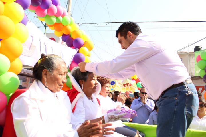 Alcalde encabeza natalicio de Juárez y desfile de la primavera