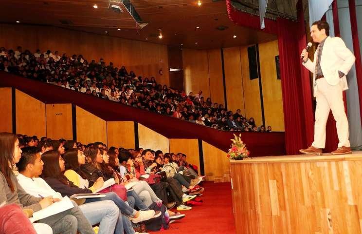 """Organizó UAT conferencia: """"Cómo aprender a promoverme cuando termina la carrera"""""""