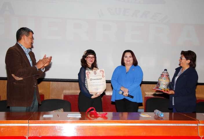 """Presentó la UAT el documental: """"La Guerrera"""" de Alicia del Paso"""