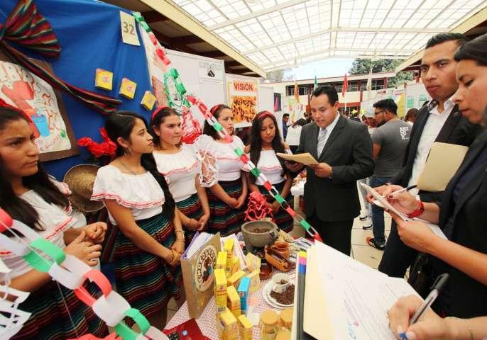 """Llevó a cabo la UAT """"XI Expo Regional Emprendedora"""""""