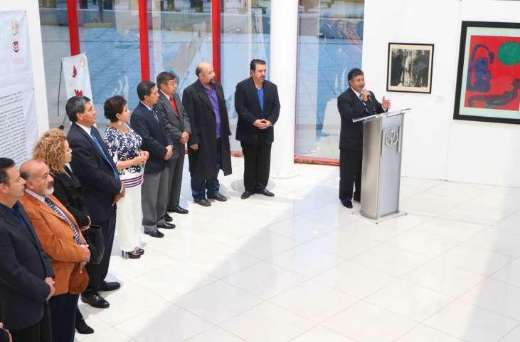 """Presenta UAT exposición: """"40 artistas. 40 años de humanismo en el arte"""""""
