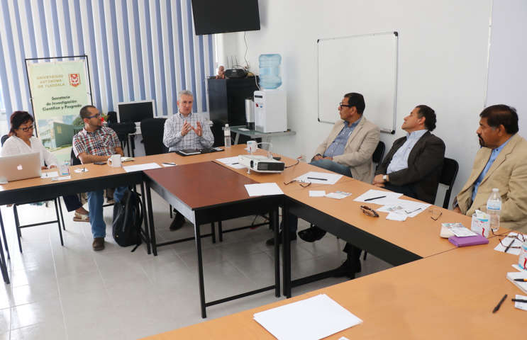 Trabajan sobre urología avanzada en la UAT