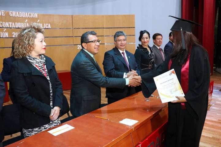 Egresan nuevos Licenciados en Contaduría Pública de la UAT