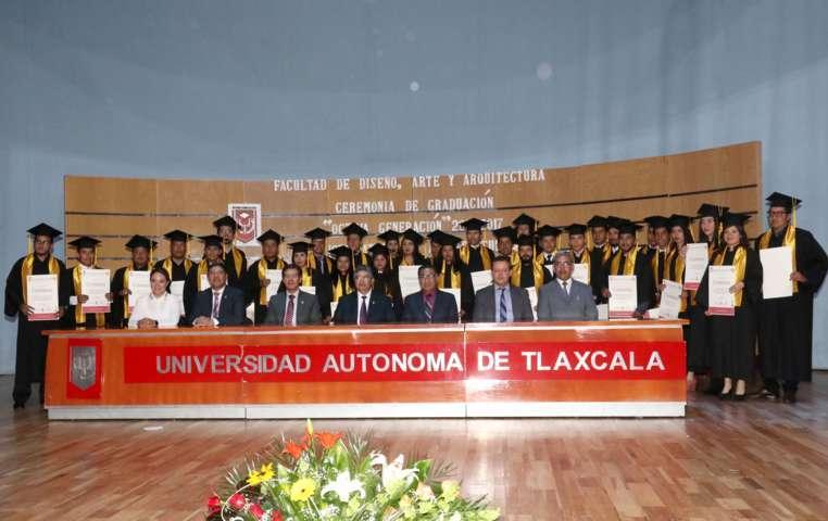 Culminó estudios la generación 2013-2017 de la Lic. en Arquitectura de la UAT