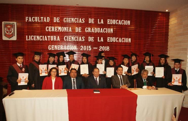 Egresan de la UATx Licenciados en Ciencias de la Educación