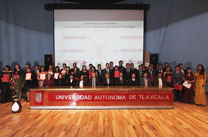 Efectúo ceremonia de graduación la Facultad de Ciencias Básicas de la UATx