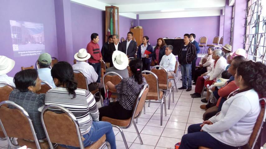 Ayuntamiento proporciona apoyo a campesinos a través de la DGETA