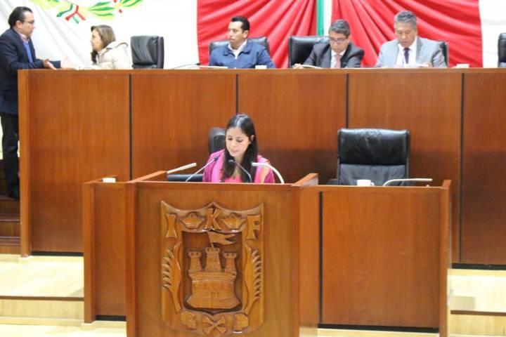 Deja la curul diputada local Aitzury Fernanda del verde