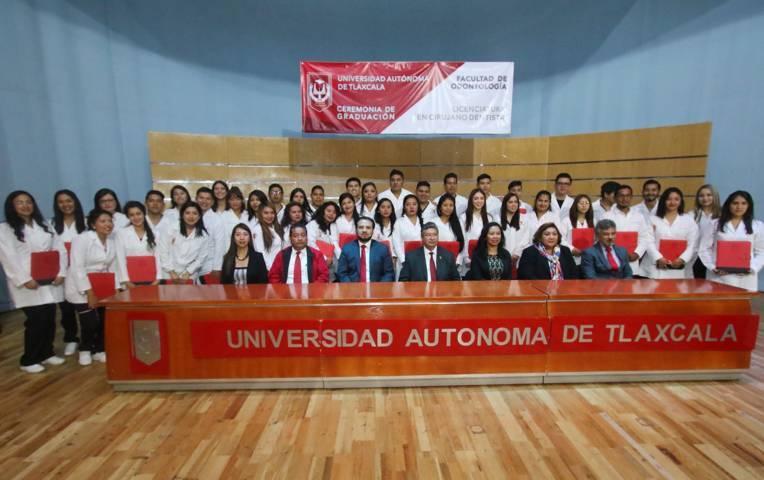 Culminó estudios nueva generación de la Facultad de Odontología de la UAT