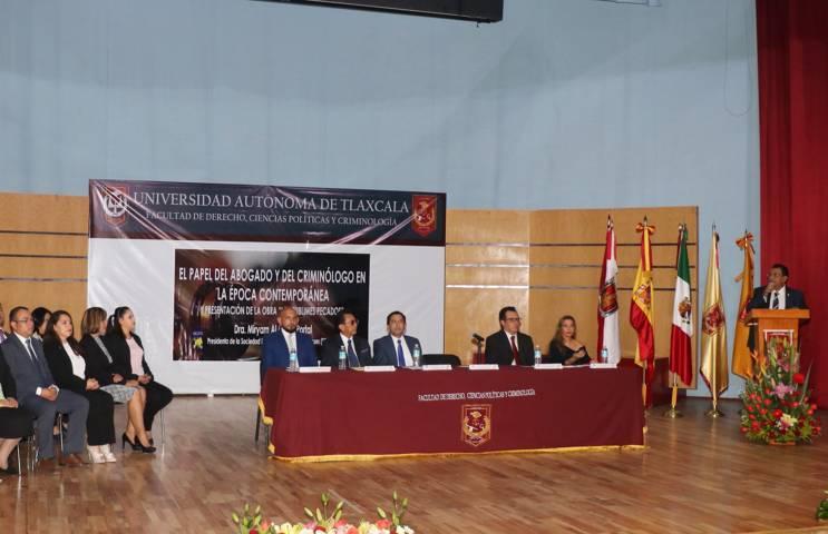 Dictan en la UAT conferencia: El papel del abogado y del criminólogo en la época contemporánea