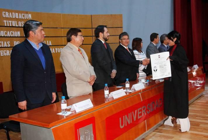 Entregó UAT títulos a egresados de la Facultad de Ciencias para el Desarrollo Humano