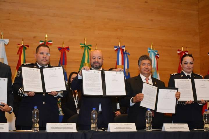 Firma UAT convenio de colaboración con la Comisión Nacional de Seguridad