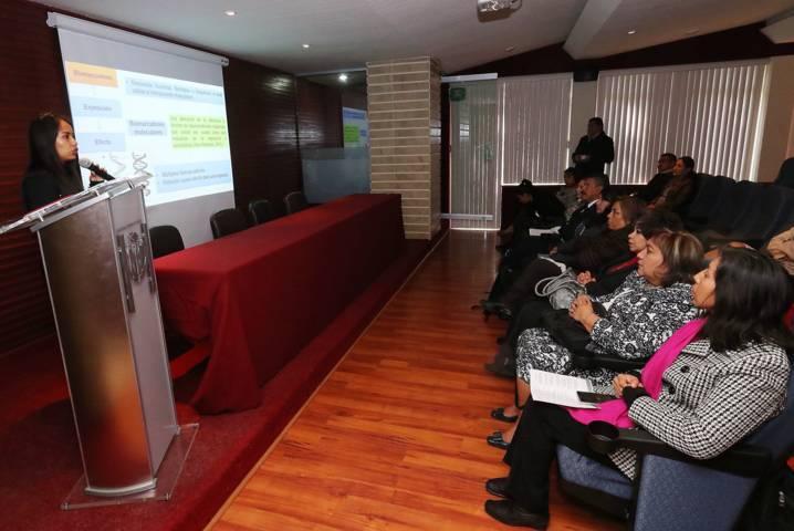 Presentan en la UAT avances de proyectos de tesis de posgrado