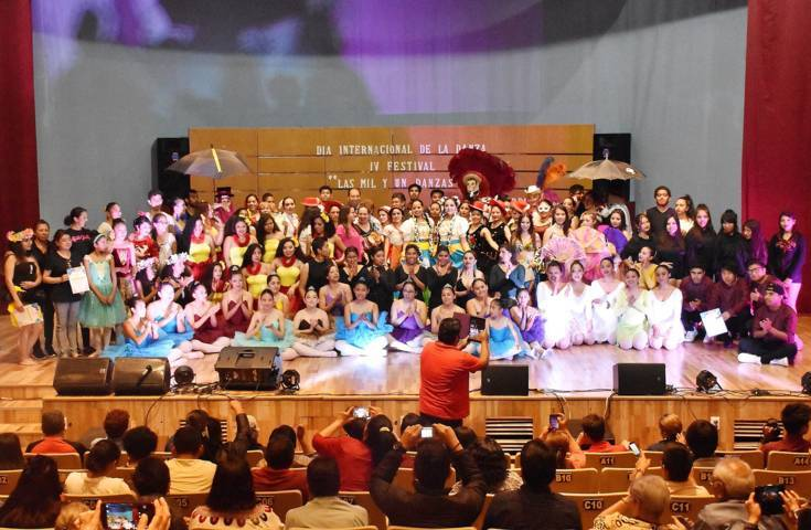 """Llevó a cabo la UATx el """"Cuarto festival de la danza"""""""