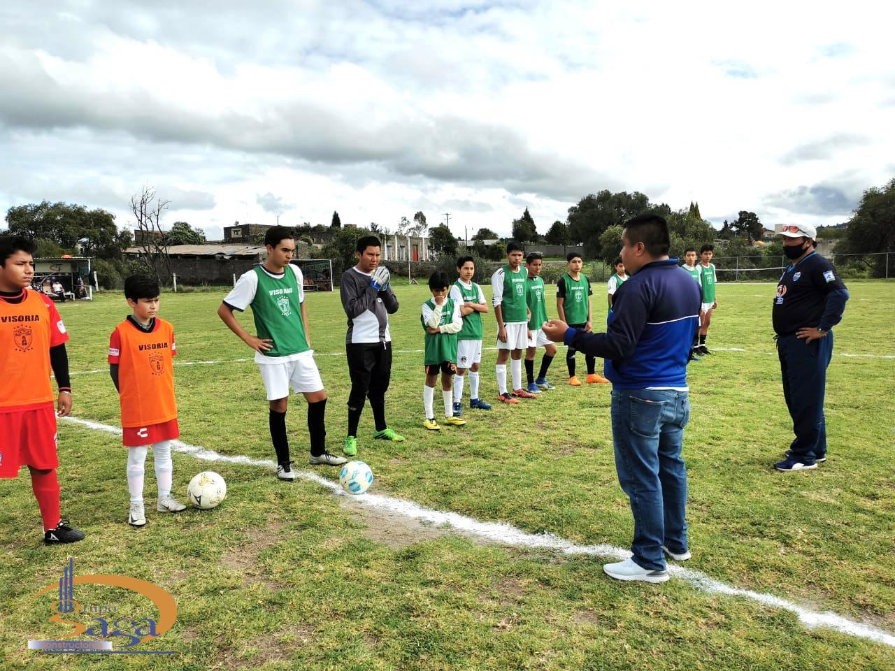 Directivos de los Tuzos del Pachuca realizan visorias en el Estadio SAGA