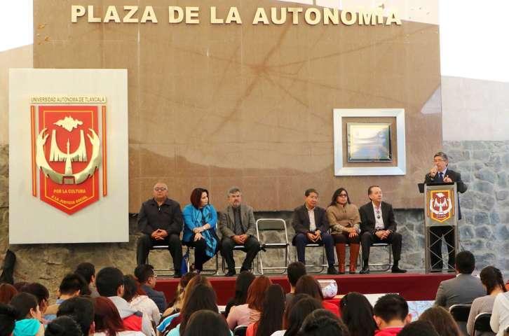 """Realiza UAT """"Festival cultural por los valores universitarios"""""""