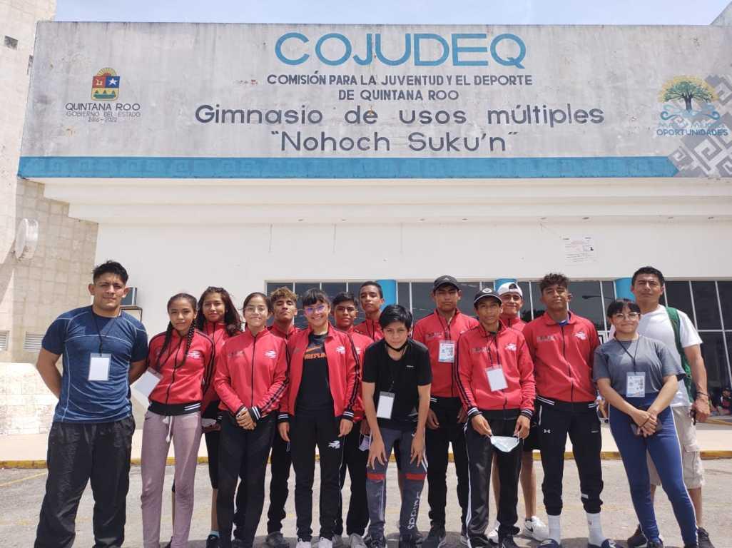 Inicia delegación tlaxcalteca de luchas asociadas participación en Macro Regional