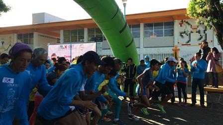 Participan más de 380 personas en ¡Qué padre corro con mi padre!
