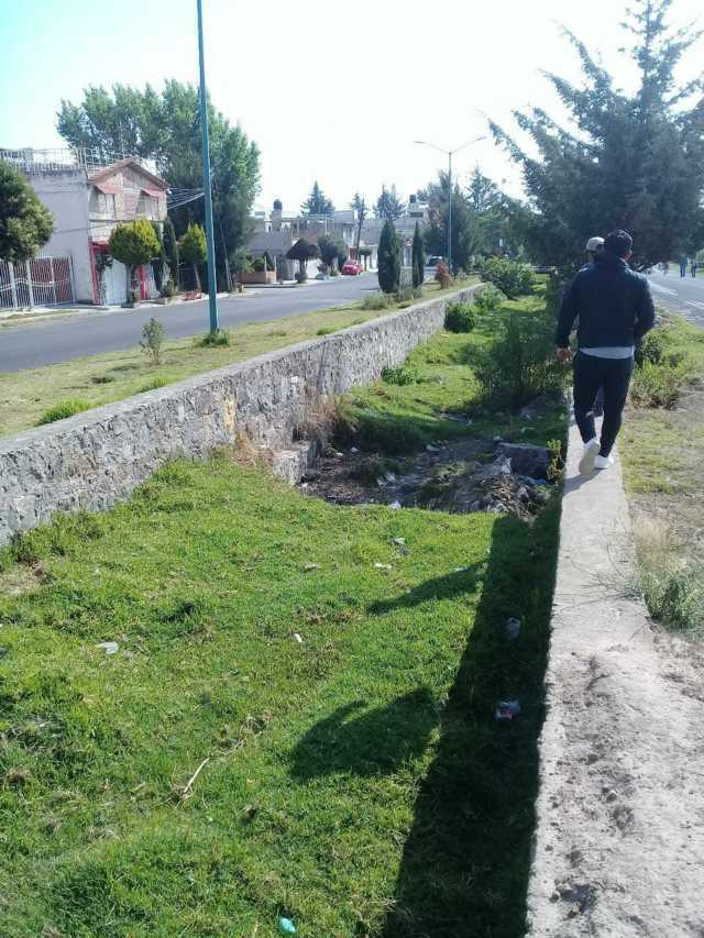 Realizan segunda etapa de desazolve de calles en Huamantla