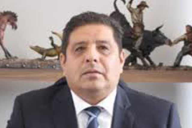 Castro pide al gobernador que visite hospitales de Tlaxcala