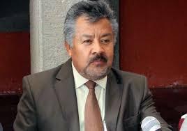 Alcalde mejora la calidad de vida rehabilitando caminos rurales
