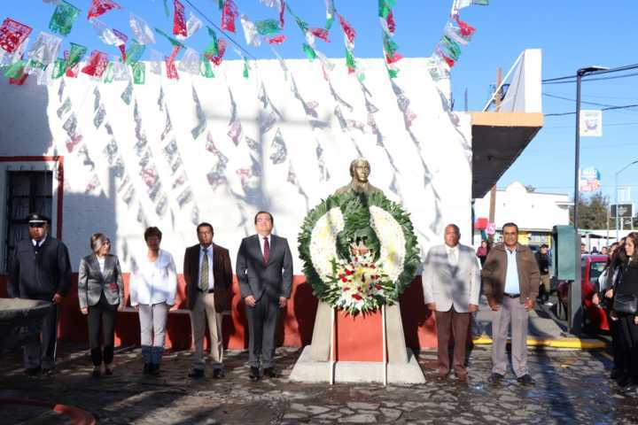 Alcalde presenció el tradicional desfile del 16 de septiembre