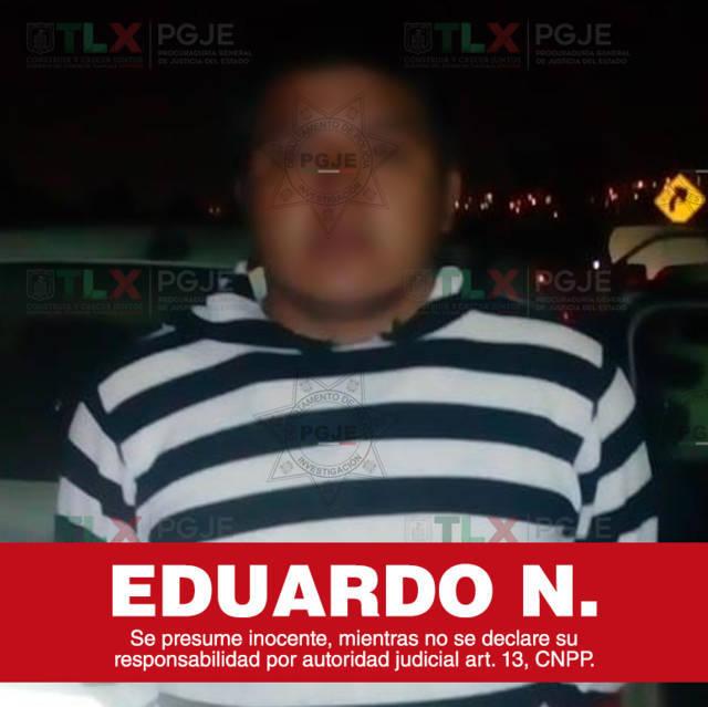 Detienen a sujeto con hidrocarburo ilegal, además que la camioenta era robada