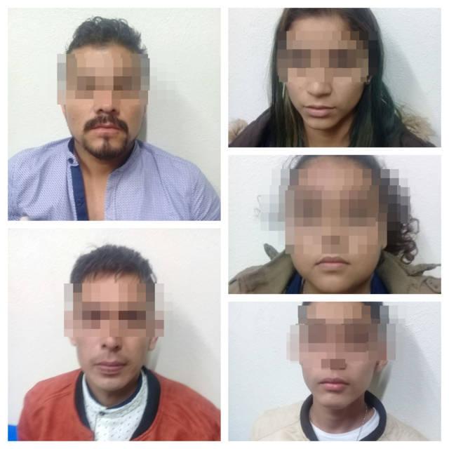 Detienen en Chiautempan a cinco sujetos con vehículo robado en Apizaco