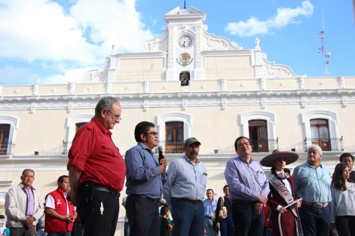 Huamantla a 10 años de Pueblo Mágico develan placa autoridades estatales y municipales