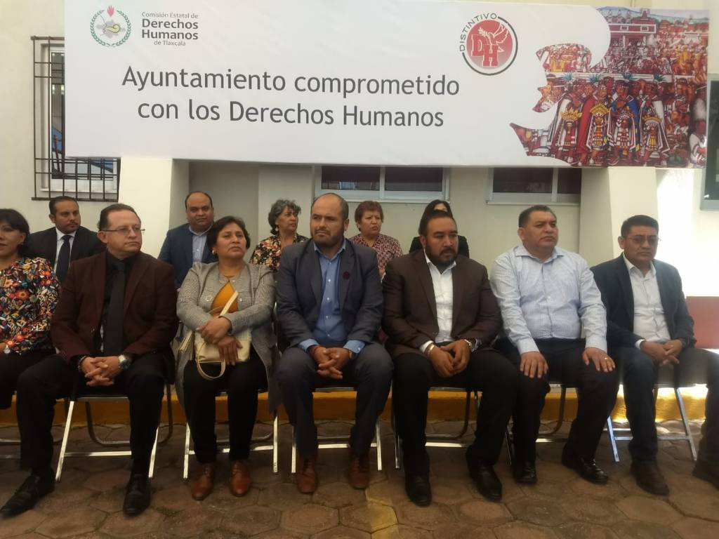 Ayuntamiento de Huactzinco es certificado con el distintivo DH por la CEDH