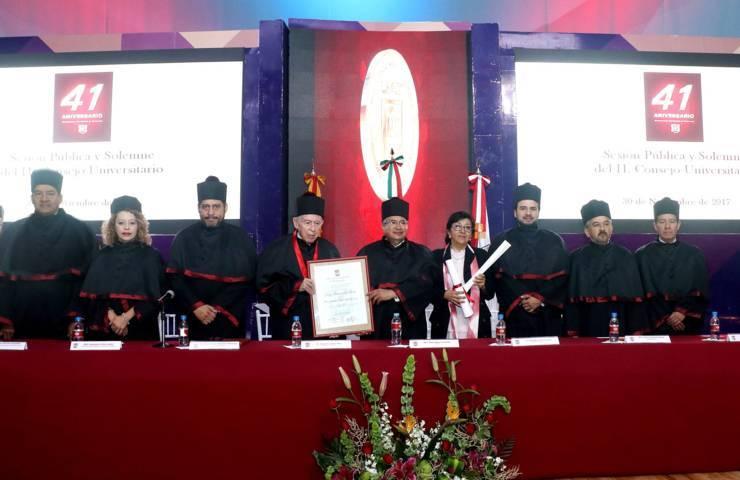 Celebra UAT su 41 Aniversario; entrega Doctorado Honoris Causa
