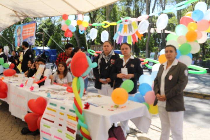 Inauguran en Apizaco Primera Feria del Adolescente