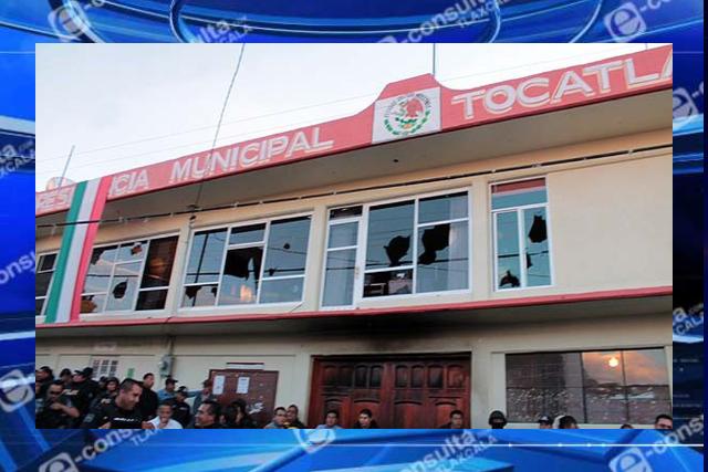 Edil de Tocatlán levanta la cuarentena, personal labora sin protección ante el covid