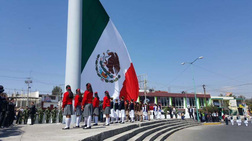 Bandera México, símbolo de unión y esperanza: Ramos Flores