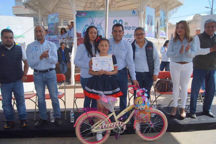 """Alcalde encabezo desfile conmemorativo al """"Día Mundial del Agua"""""""