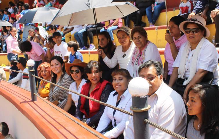Con alegría y diversión celebran el Día del Padre en la capital