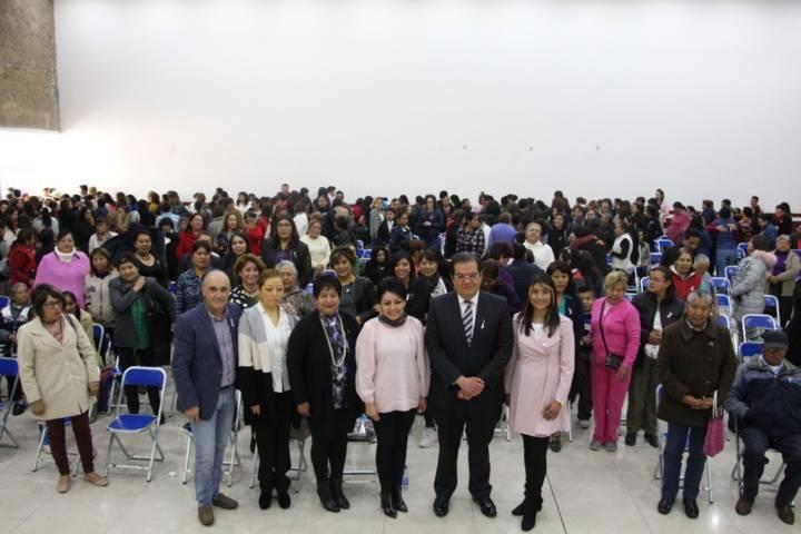 Ayuntamiento y SMDIF conmemoran Día Internacional de la Mujer