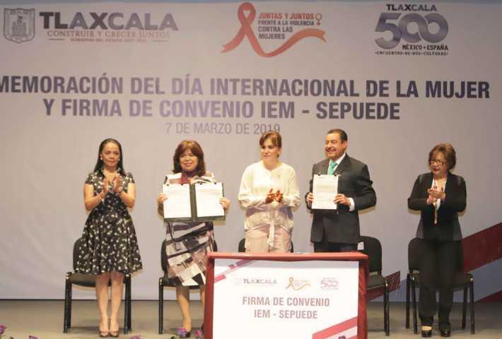 Encabeza Sandra Chávez Ruelas conmemoración del Día Internacional de la Mujer