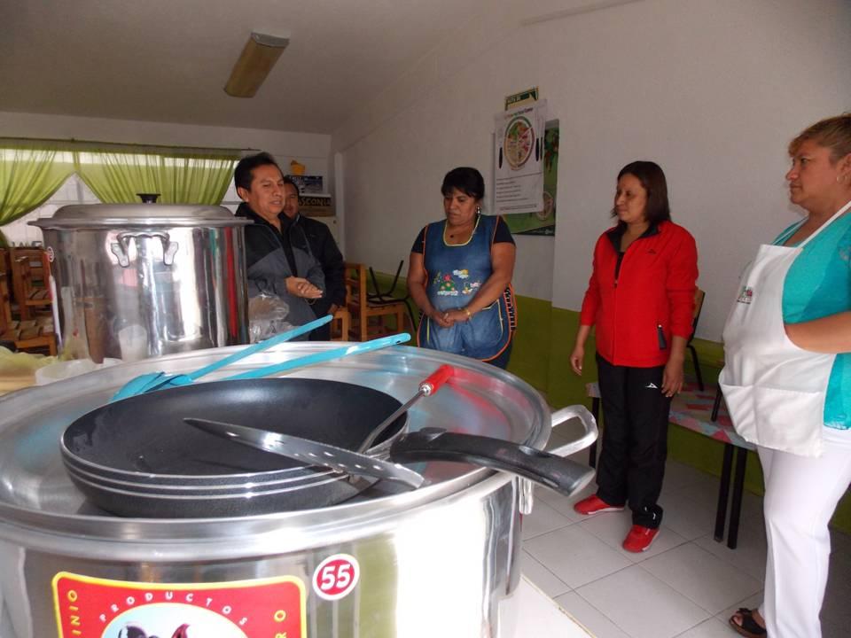Alcalde equipa desayunador de jardín de niños