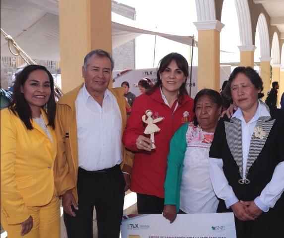 Sandra Chávez clausura curso de capacitación para autoempleo