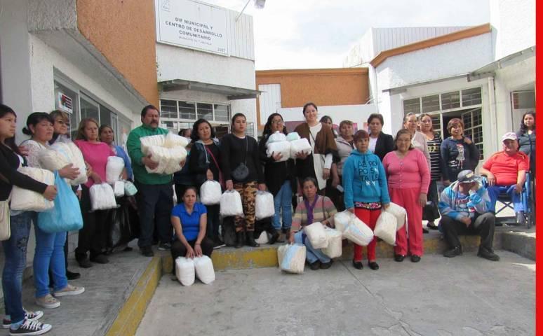 Entrega DIF Municipal de Tlaxcala apoyo a personas con parálisis cerebral