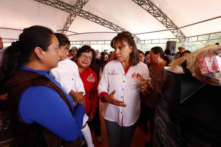 Entrega Sandra Chávez Ruelas 180 equipos hidráulicos a familias tlaxcaltecas