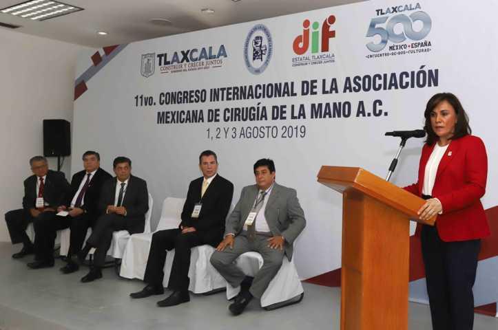Refrenda Sandra Chávez compromiso de garantizar salud de población vulnerable