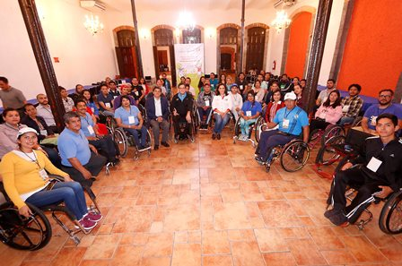 Inauguran curso de rehabilitación para personas con discapacidad motora