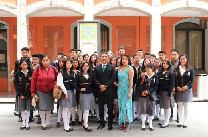 El Diputado Delfino Suárez recibe a alumnos del CBTIS 212