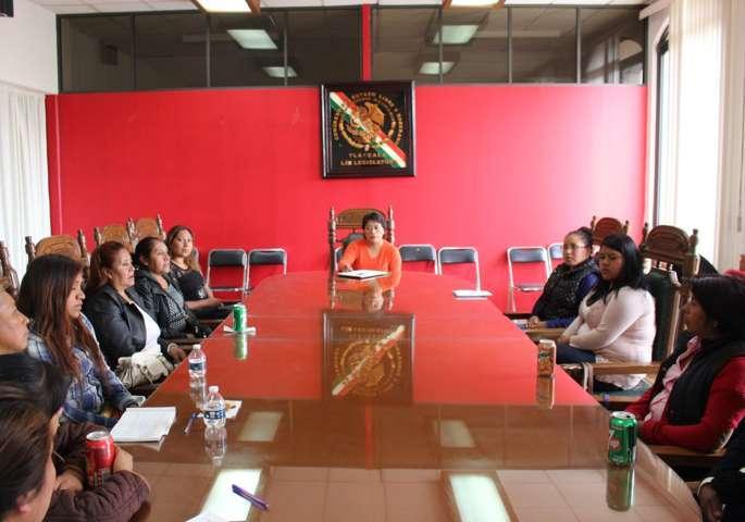 Solicitan integrantes de la asamblea popular de familias migrantes acercamiento con el gobernador