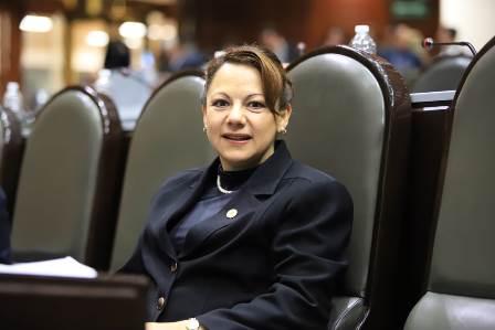 Eligen a Claudia Pérez como integrante de la Comisión Permanente