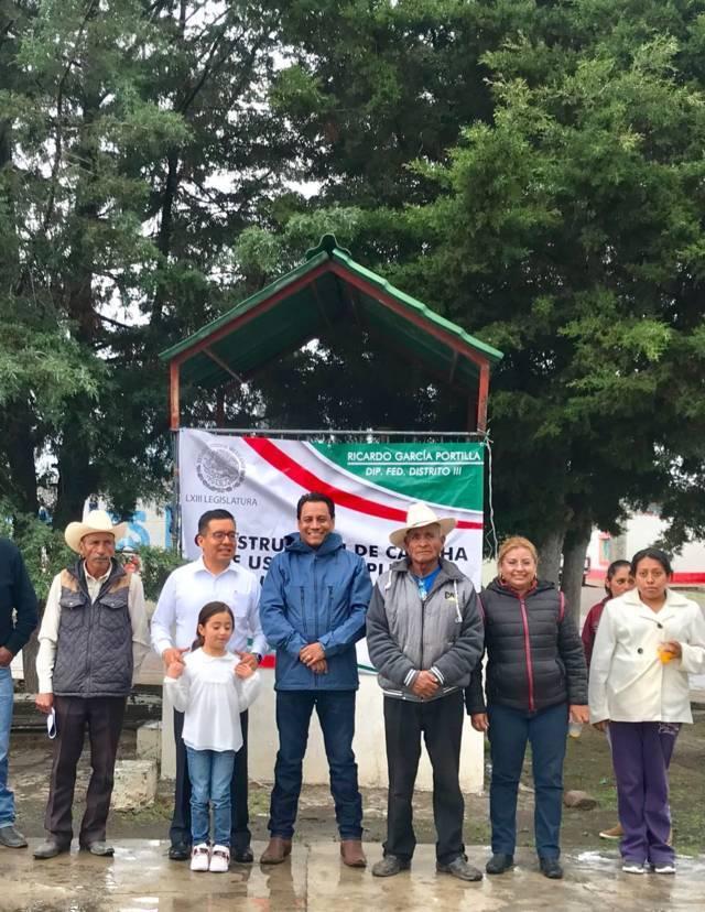 Juan Carlos Sanchez Garcia gestiona recursos para beneficiar al municipio de Hueyotlipan