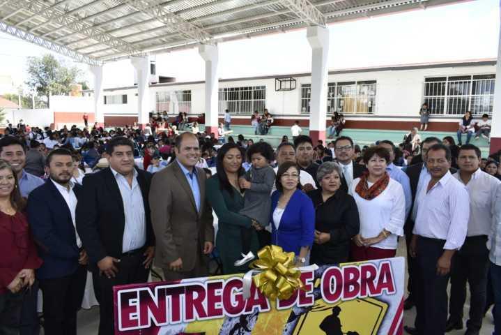 Contribuye Congreso al mejoramiento de instituciones en Santa Cruz Tlaxcala