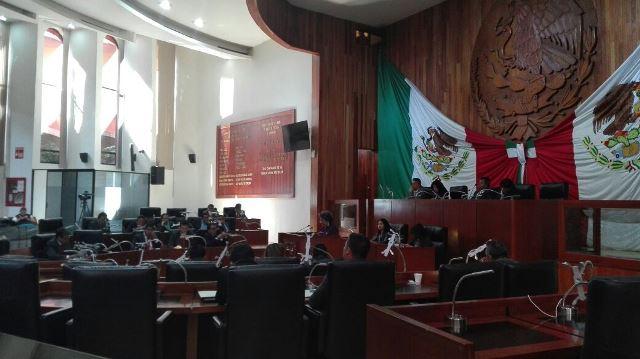 Diputados podrían ser destituidos por impedir arribo de suplentes